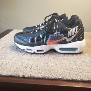 New Nike Air Max 95 Black Red Green Women 7.5/ M 6